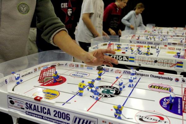 Turnir v namiznem hokeju